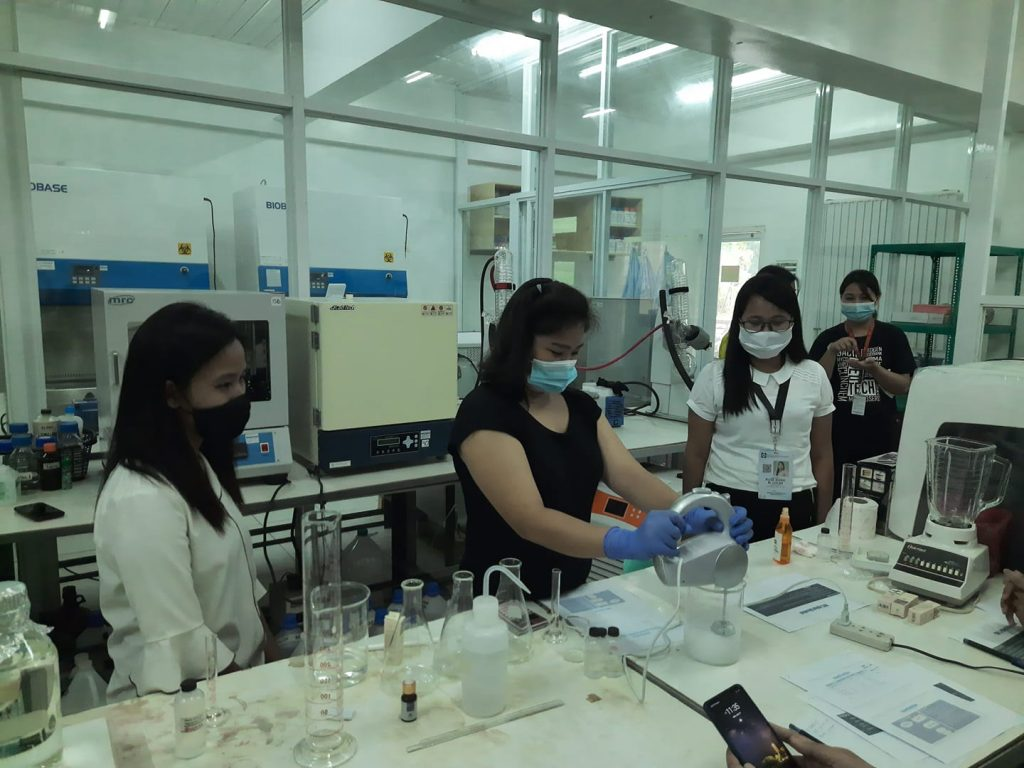 Students in Cagayan State University Laboratory